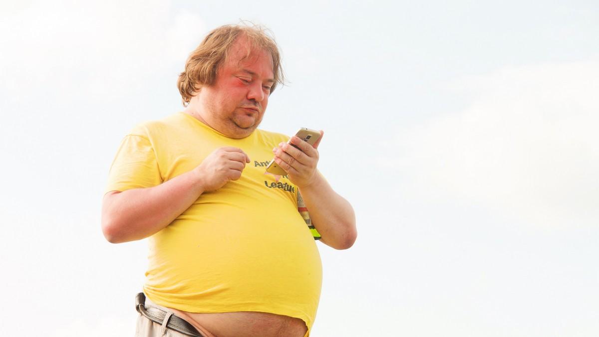 Obézní muže, který má metabolický syndrom.