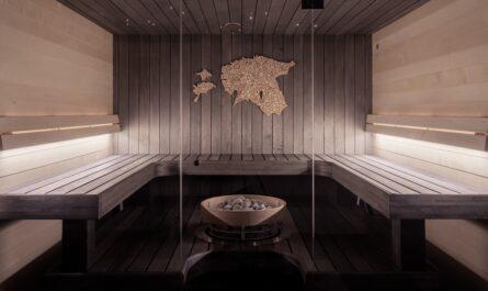 Saunování probíhá v plně zařízení sauně.